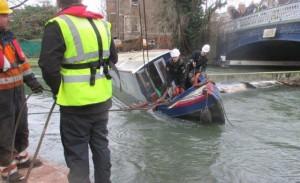 narrowboat-rescue2